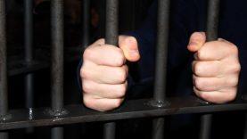 Mokėjimo pavedimų klastotojas teismo laukia už grotų