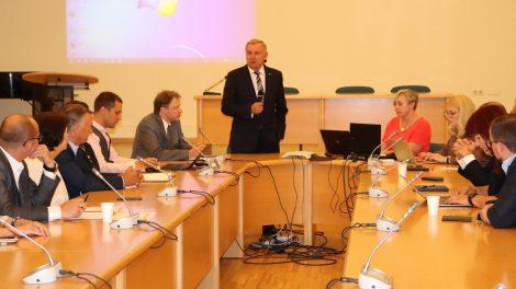 Ekonomikos ir inovacijų ministerija ragina susilaikyti nuo kelionių į Bulgariją ir Rumuniją