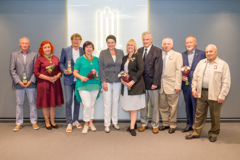 Jubiliejaus proga apdovanoti olimpizmui nusipelnę žmonės