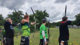 Šaudymo iš lanko varžybose Alytuje – merginos iššūkis vyrams