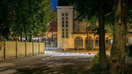 Kryptinis LED apšvietimas suteikia daugiau saugumo Šiaulių perėjoms