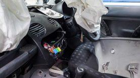 Ar automobilių gamintojams rūpi perdirbimas?
