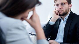 Sveikatos priežiūros specialistams primenama apie profesionalios psichologinės pagalbos galimybes