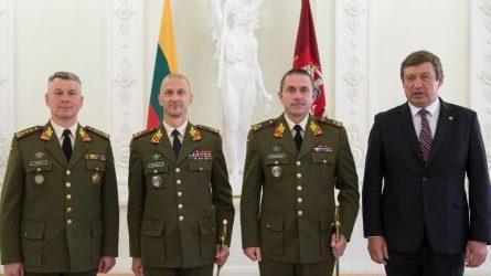 Prezidentas dviem karininkams suteikė generolo laipsnius