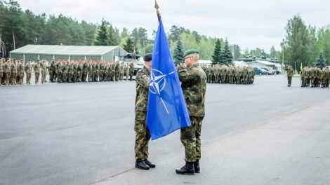 Sugrįžimas į Lietuvą: Tankų bataliono kariai iš Pfreimd miestelio Vokietijoje  vėl perima vadovavimą NATO batalionui