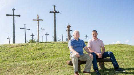 Nekrikštų kapinaitėse plečiasi kryžių kalnelis