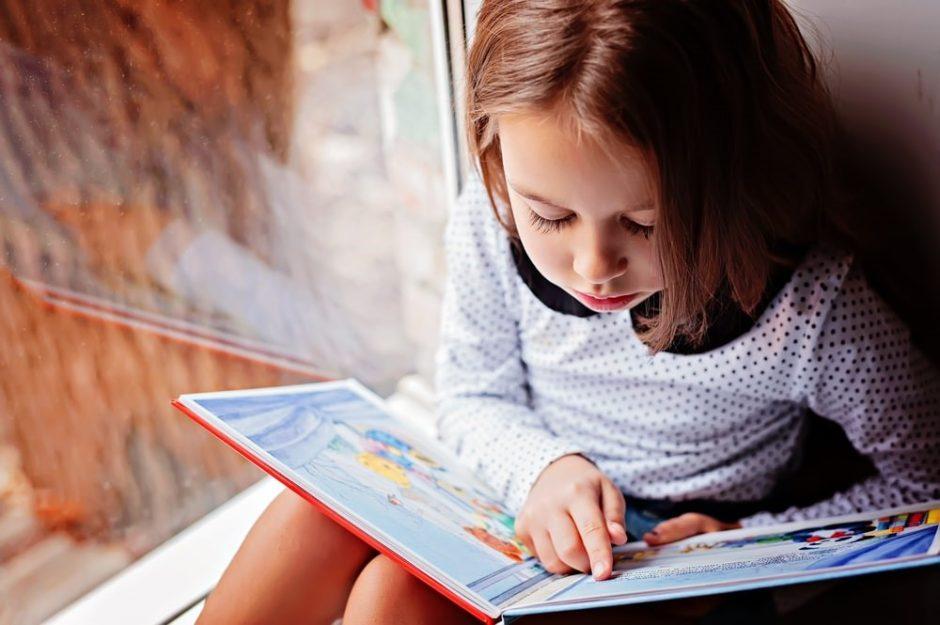 Patarimai, kurie padės vaikams susidraugauti su knygomis