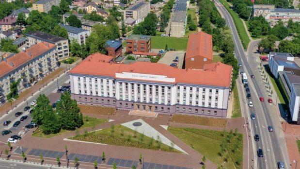 Šiaulių valstybinės kolegijos studentai neabejoja: darbas ir studijos – suderinami