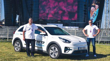 Užfiksuotas naujas rekordas – elektromobiliu apvažiavo Lietuvą per 22 valandas