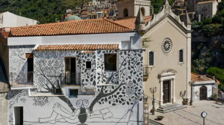 Lietuvių dailininkė Sicilijoje ant sienos sujungė dvi kultūras