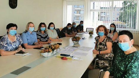 Tarpinstituciniame pasitarime Radviliškyje pristatytas naujasis policijos darbo su nepilnamečiais algoritmas