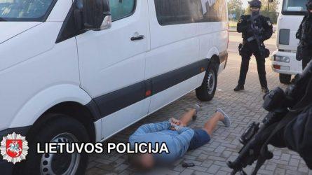 Didelės tarptautinės operacijos metu pareigūnai sulaikė 18 asmenų galimai priklausančių nusikalstamam susivienijimui