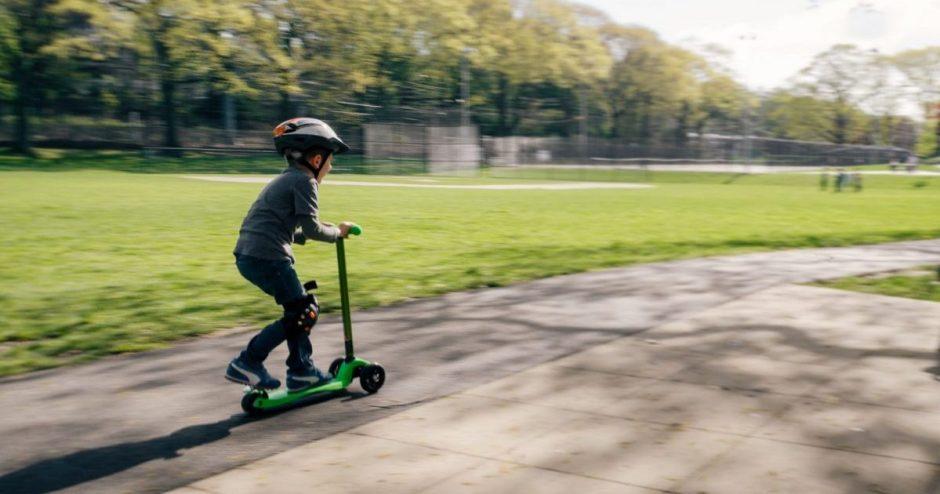 Pataria vairuotojams atlikti eksperimentą: suprasite, kaip eismą gatvėje mato vaikai