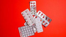 Vaistus nuo diabeto siūlantys sukčiai dangstėsi žinomo gydytojo vardu