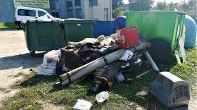Kontrolierių taikinyje – asmenys, neteisėtai išmetantys dešimtmečiais kauptas atliekas savo garažuose