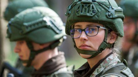 Karo akademijos pirmakursiai kariūnai nebijo naujų iššūkių