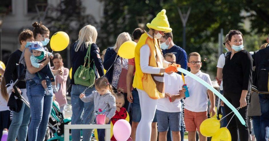 Rugsėjo 1-ąją pasveikinti mažieji šiauliečiai