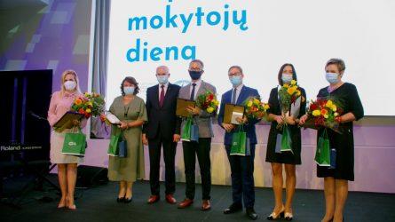 Tarptautinę mokytojų dieną apdovanoti Metų mokytojai