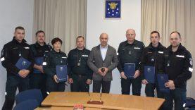 Su profesine švente savivaldybėje pasveikinti Varėnos rajono policijos komisariato pareigūnai