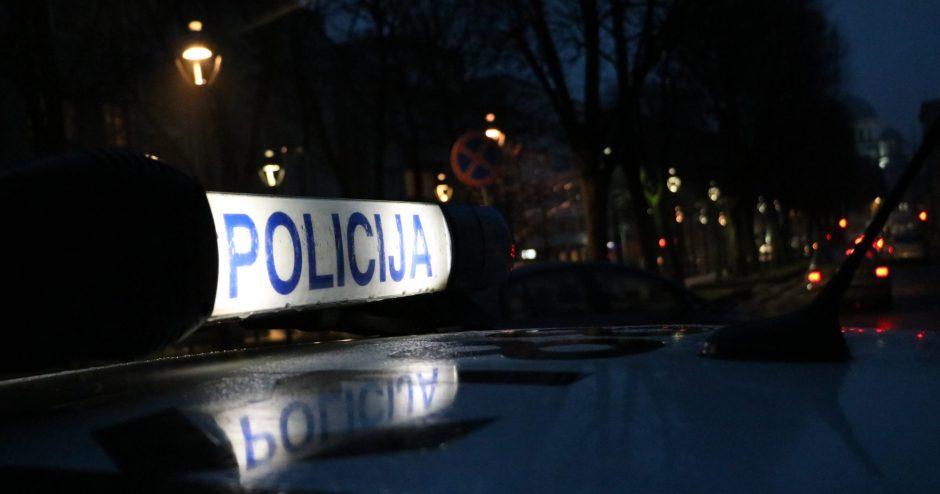 Visoje šalyje sukčiavęs jaunas vyras pričiuptas Kauno pareigūnų