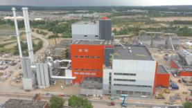 Į Vilniaus kogeneracinę jėgainę pradedamos vežti pirmosios komunalinės atliekos