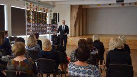 Mokytojų dienos proga pasveikintos rajono švietimo įstaigos