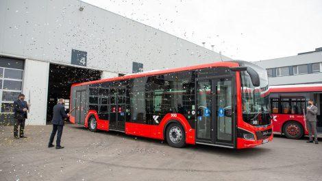 Proveržis Kauno viešajame transporte: pradeda kursuoti pirmasis iš šimto hibridinių autobusų