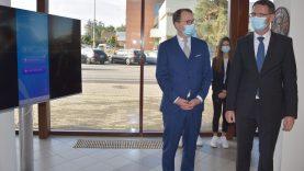 """Varėnoje teisingumo ministras Elvinas Jankevičius ir Konstitucinio teismo pirmininkas Dainius Žalimas pristatė mobiliąją aplikaciją-konkursą """"Žinau savo teises"""""""