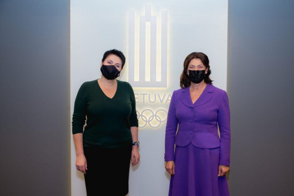 Pirmoji ponia D. Nausėdienė ir LTOK prezidentė D. Gudzinevičiūtė kalbėjosi apie vaikų fizinį aktyvumą