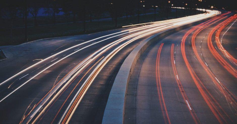 Draudikai įspėja: po laiko persukimo padaugėja eismo įvykių, atsargesni turėtų būti ir pėstieji