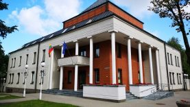 Kretingos rajono savivaldybė lankytojus aptarnaus dalinai nuotoliniu būdu