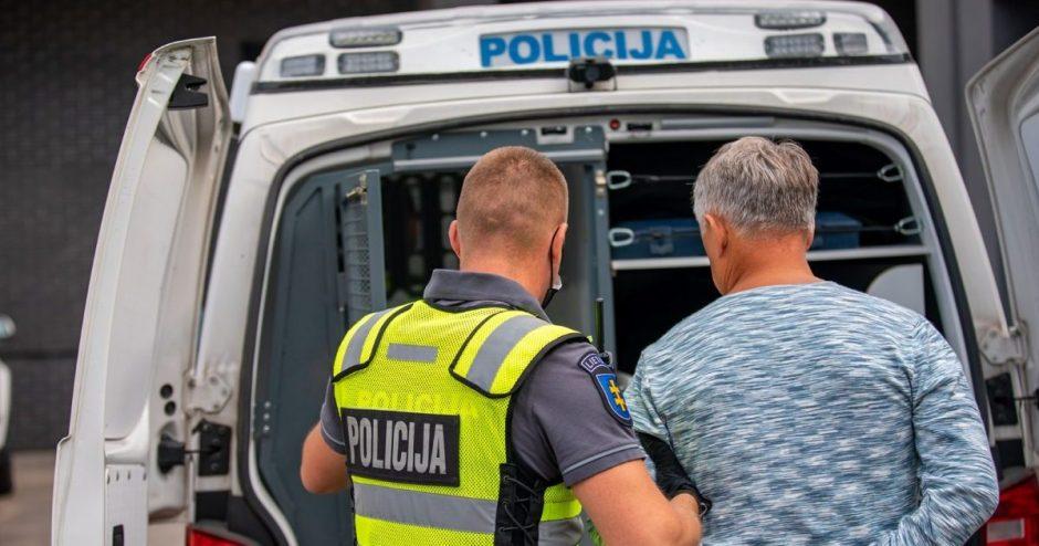 Klaipėdoje sulaikytas vyras, įtariamas pasisavinęs pinigus iš neužrakintų butų ir įstaigų