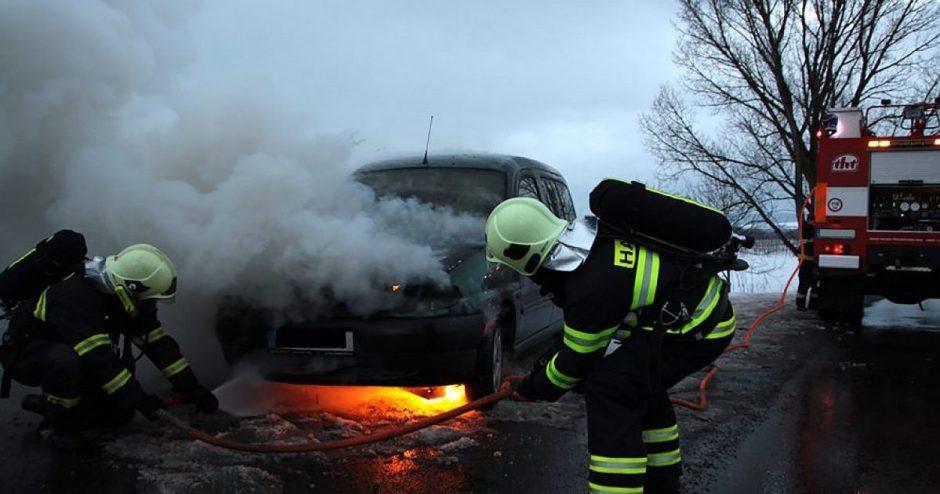 Tyrimas: po eismo nelaimės skambiname ne skubios pagalbos numeriu, o antrajai pusei
