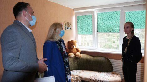 Alytiškių šeimoms dalijami dūmų detektoriai