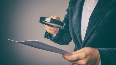Gavus pranešimą apie bandymą papirkti – pradėtas ikiteisminis tyrimas