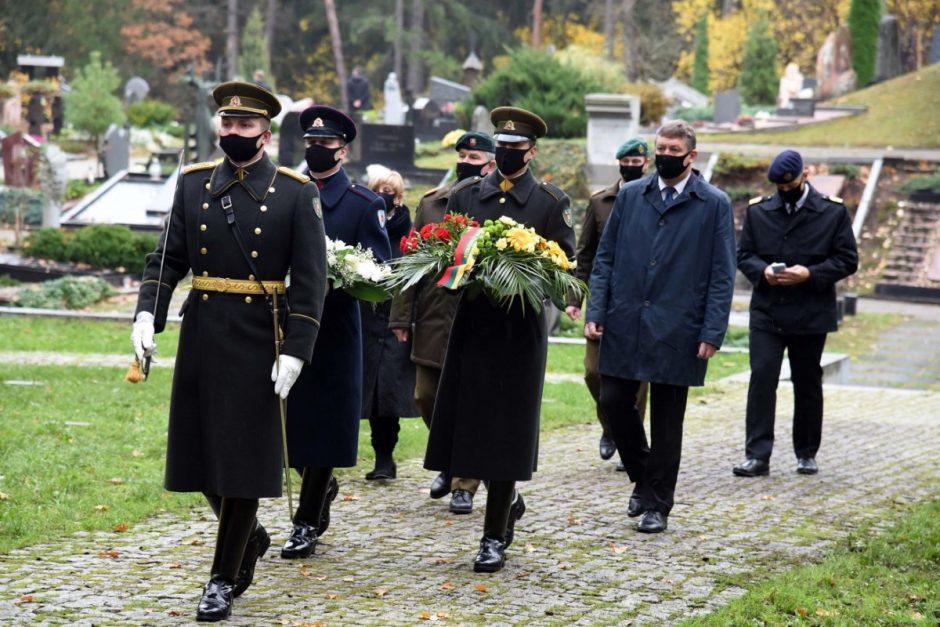 Vėlinių ceremonija, pagerbiant žuvusius Lietuvos gynėjus, nusipelniusius Lietuvai žmones