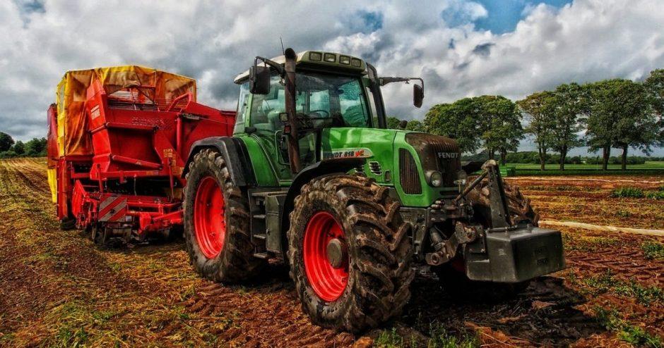 Baudžiamoji atsakomybė – ūkininkų traktorius remontavusiam ir juos nelegaliai pardavusiam šiauliečiui