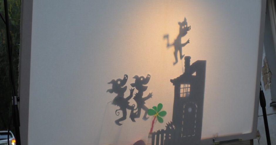 Namus Vilniaus senamiestyje pasistatė trys paršiukai