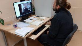 Apie poeziją – virtualiai su aktoriumi Remigijumi Peleniu