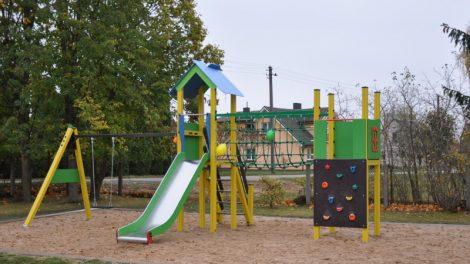 Bendradarbiavimo ir papildomo finansavimo rezultatai Rozalime – atnaujintos patalpos ir moderni žaidimų aikštelė