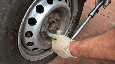 Automobilio padangų keitimas: kaip jis vyksta šiemet
