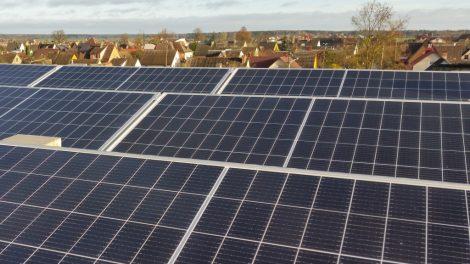 """AB """"Šiaulių energija"""" elektros energiją padės gaminti saulė"""