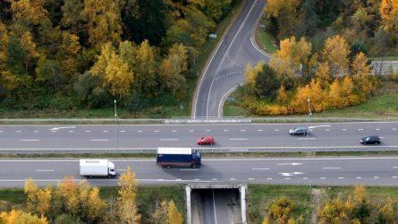 """Lietuvoje įvedama europinė kelių rinkliavos sistema pagal principus """"naudotojas moka"""" ir """"teršėjas moka"""""""