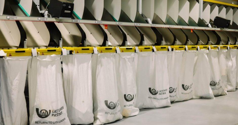 Lietuvos paštas pradeda automatizuotą siuntų skirstymą