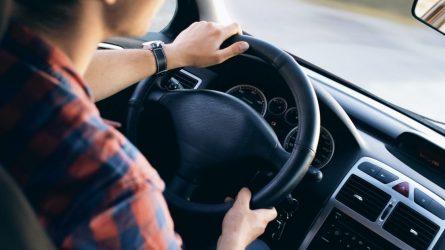 Ministerija skelbia rekomendacijas karantino sąlygomis dirbančioms vairavimo mokykloms