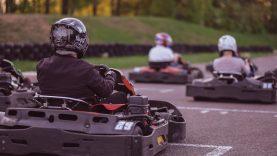 Plytinės kartodrome klojami saugaus vairavimo pamatai