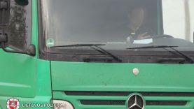 Vairuotojai su telefonu rankose – eismo saugumo problema