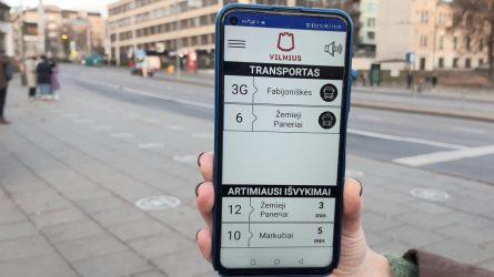 """Regėjimo negalią turintiems viešojo transporto keleiviams – atnaujinta programėlė """"Transporto balsas"""""""