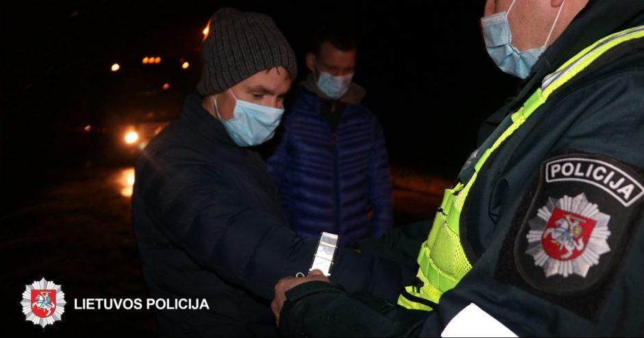 Panevėžio rajone  pareigūnai dalino atšvaitus