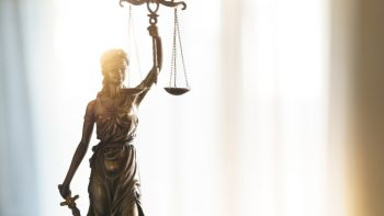 Galutinis teismo sprendimas – buvusi mokyklos direktorė lieka nuteista